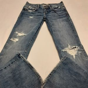 ABERCROMBIE & FITCH DISTRESSED LOW CUT BOOT CUT